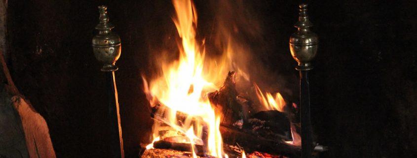 """O surgimento das lareiras e a relação do homem com o fogo na História"""""""